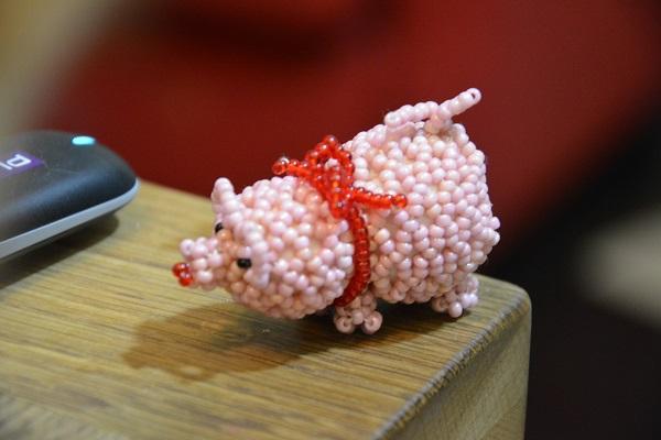 """No i tak się żartownisiowi chciało uczcić moje urodziny ;) Cofam co powiedziałam o """"różowych świnkach"""" niektóre to prawda są urocze, zwłaszcza kiedy są robione ręcznie :*"""